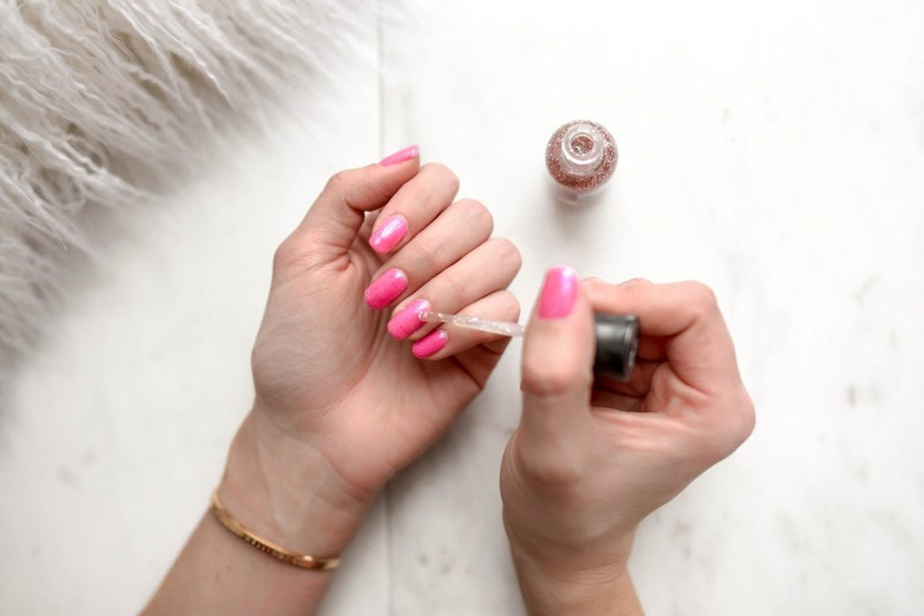 Nail Polish Cleaning Methods